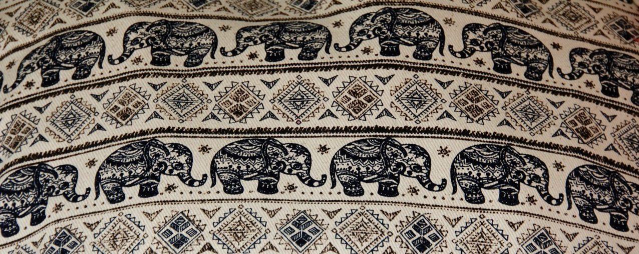 スリランカ歩こうか7 キャンディー象の刺繍