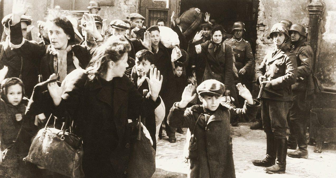 戦争と洗脳について考える本「ヒトラー・ユーゲントの若者たち」